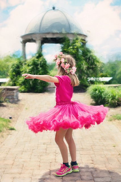 little-girl-twirling-773023_640.jpg