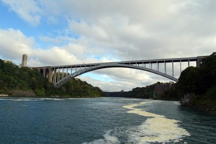 bridge-1032303_1920